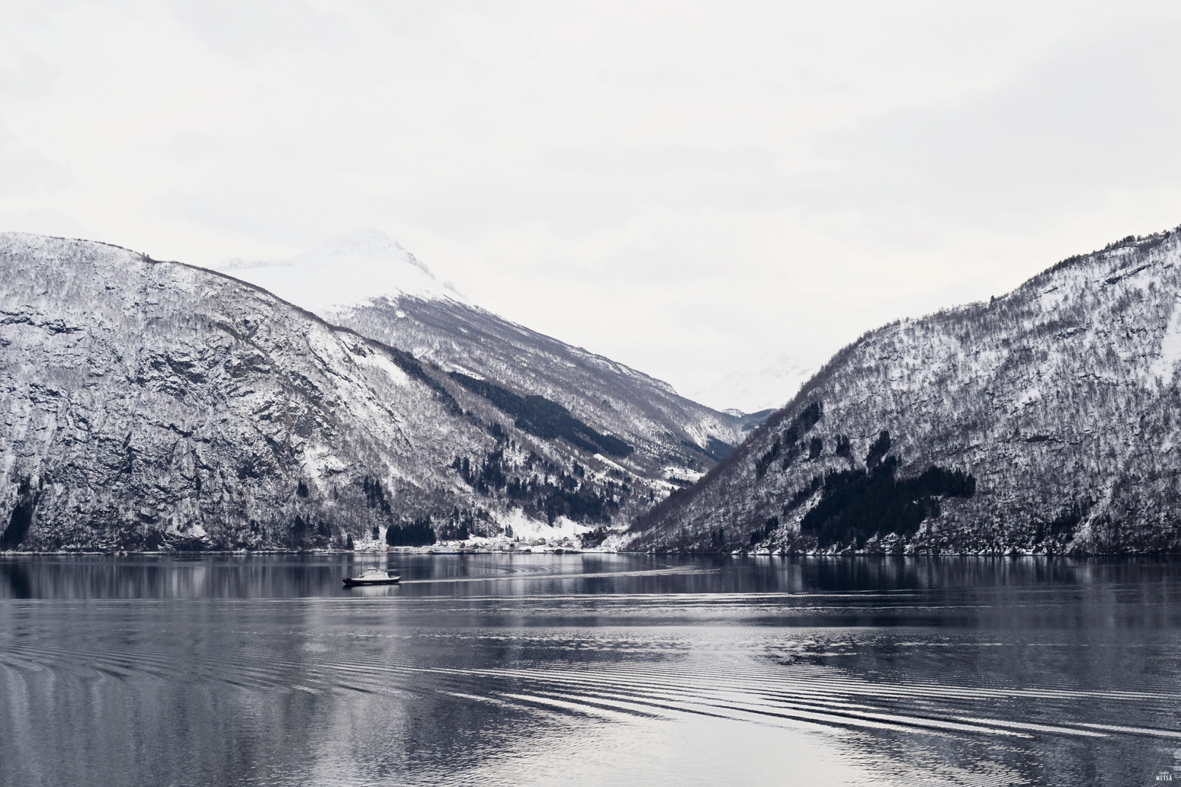 Fjords in Norway by Studio Metsä Photography