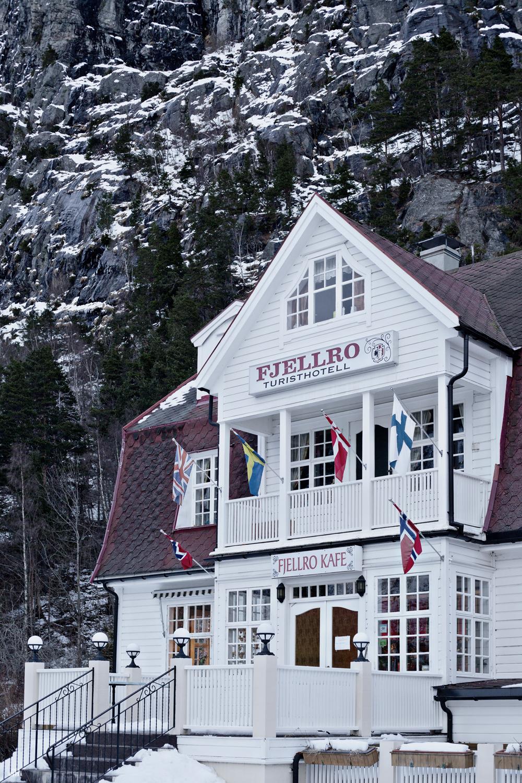 Norway-Fjellro-hotel-Valldal-Studio-Metsa-Photography