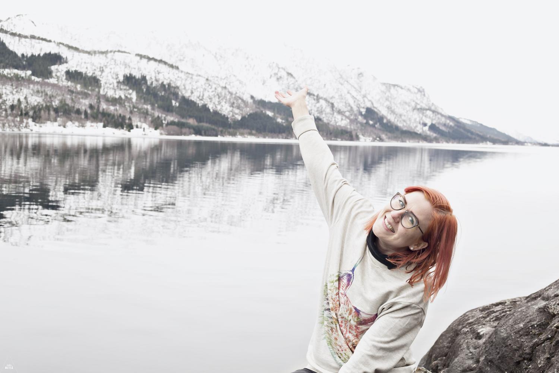 Norway-Girls-enjoying-life-6-Studio-Metsa-Photography