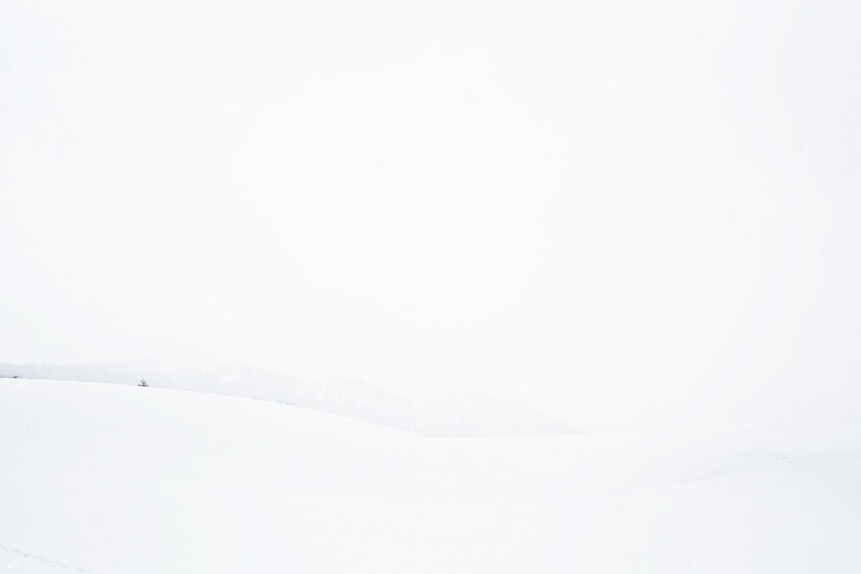 Norway-snowy-mountain-scenery-Studio-Metsa-Photography