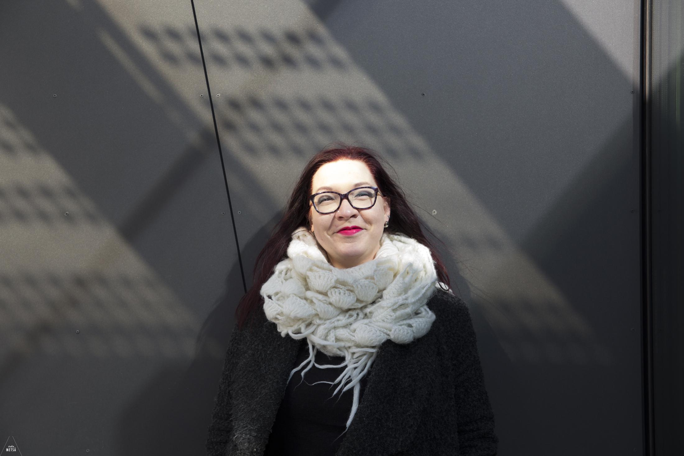 Tuulin voimaannuttava potrettikuvaus Helsingissä