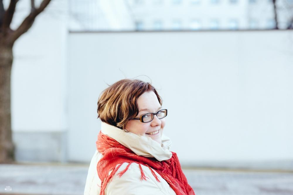 Kaunis Päivi kuvattuna Helsingissä valokuvaaja Erika Lind Studio Metsä