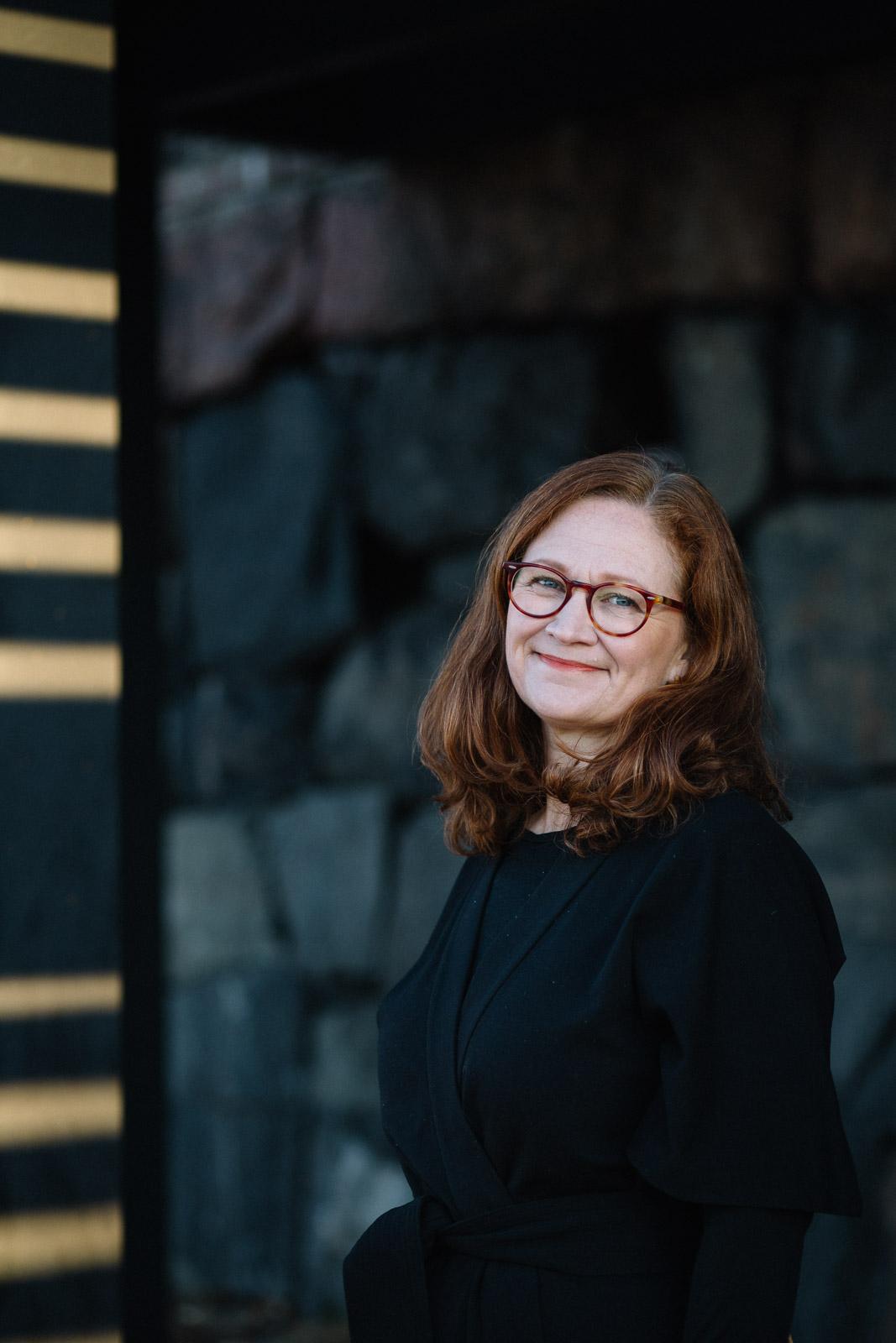 Muotokuvaus Katja Halgestam Helsingissä Valokuvaaja Studio Metsä