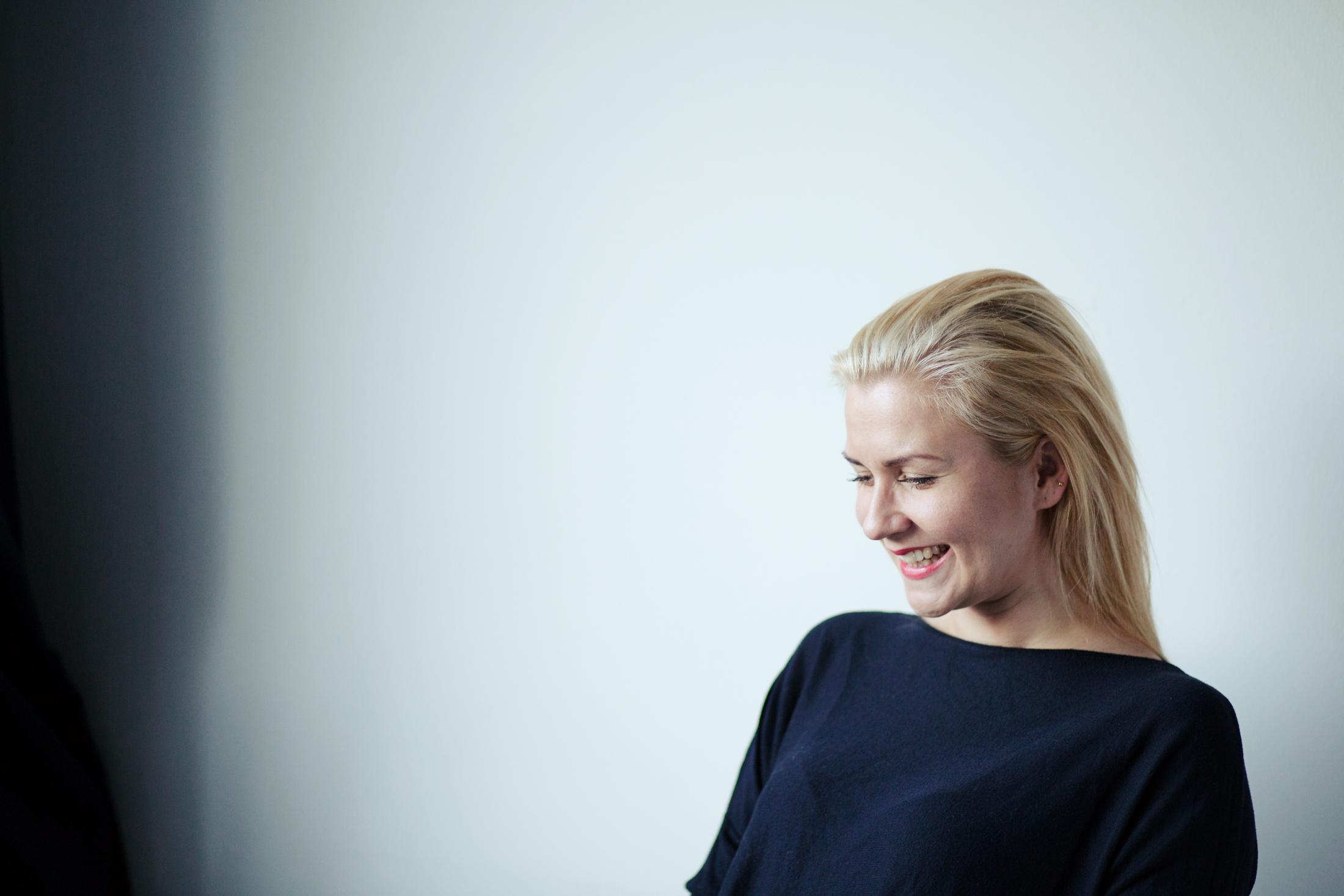 Kaunis Veronika Helsingissä Valokuvaaja Erika Lind Studio Metsä