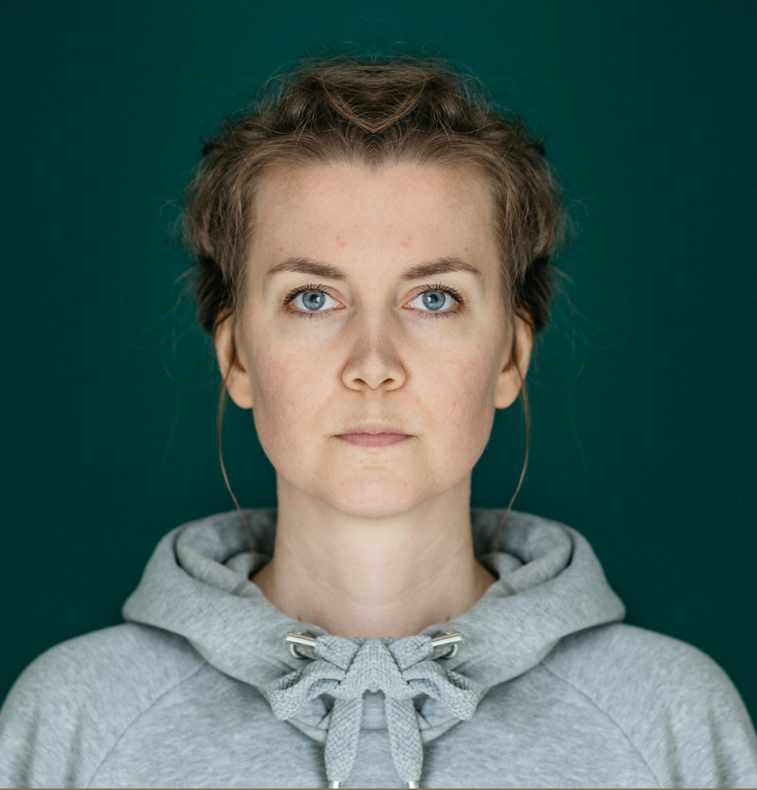 Symmetriset kasvot oikea puoli Studio Metsä Valokuvaaja Erika Lind