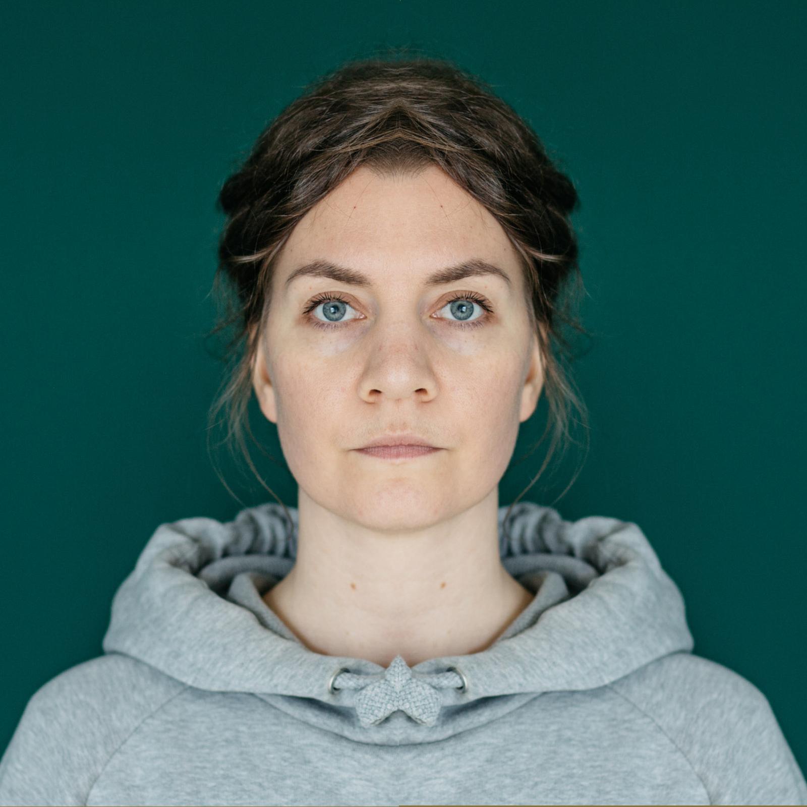 Symmetriset kasvot vasen puoli Studio Metsä Valokuvaaja Erika Lind